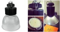 Lampa przemysłowa na halę produkcyjną, magazyn wysokiego składowania