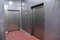 Stalowe drzwi chłodnicze do zakładu